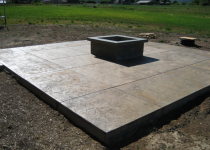 stamped-concrete-fire-pit-area